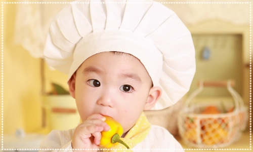 Little chef. Child in chefs hat. Little play cafe event north shields