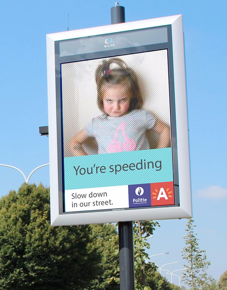Antwerp 'selfie' speeding sign