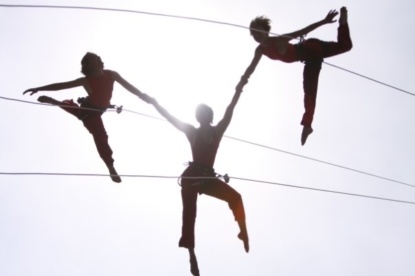 BANDALOOP at Maui Arts & Cultural Center