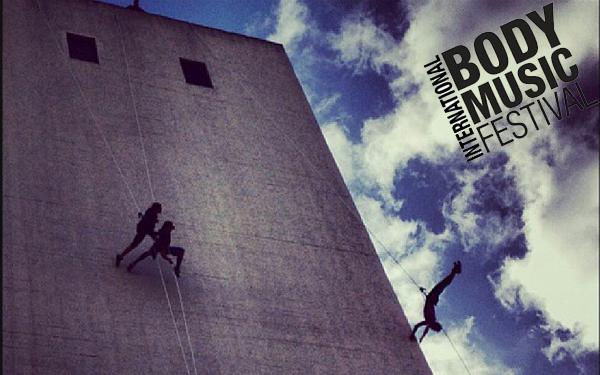 Great Wall - BANDALOOP