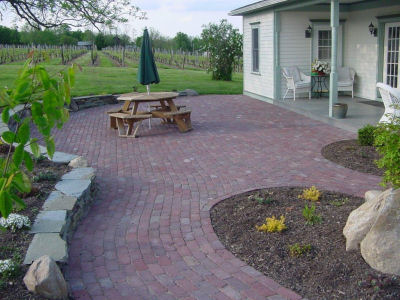 Olean Red Pavers in a beautiful patio setting
