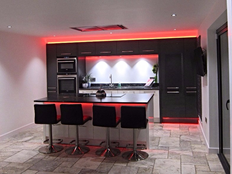 Colour-changing kitchen