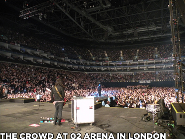 O2 Crowd