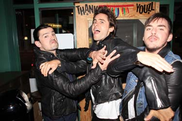 Tomo, Jared and Shannon joking with Cobrasnake