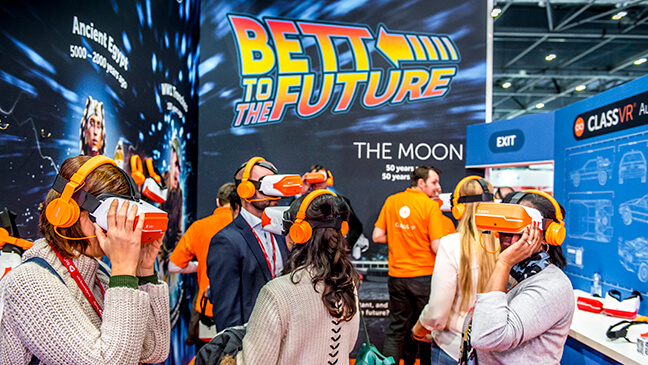 bezoekers op de BETT-beurs