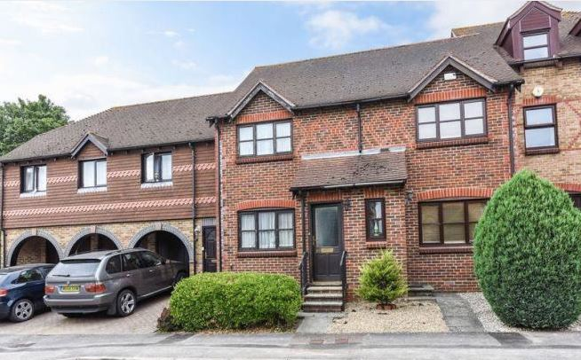 Woodlands Lane, Chichester, 2 bed house