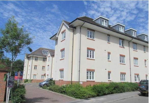 3 bed apartment, Baxendale Road, Chichester