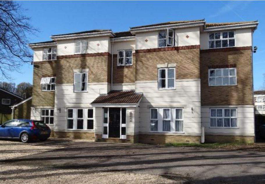 2 bed flat, Harvester close, Chichester