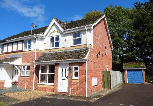 Grenville Gardens, Chichester, 3 bed house