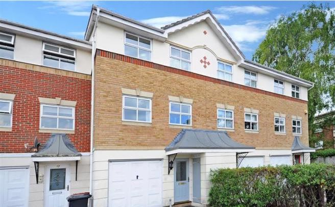 Harvester close, Chichester, 3 bed property