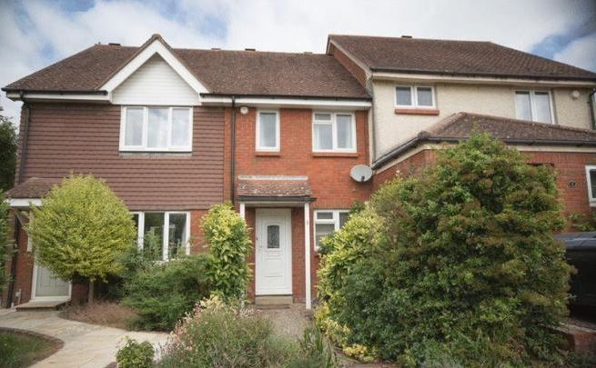 2 Bed terraced house, Waterside Drive, Chichester