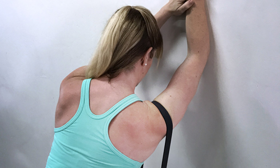 7 Shoulder Stretches and Strengthening Exercises to Prevent Injury
