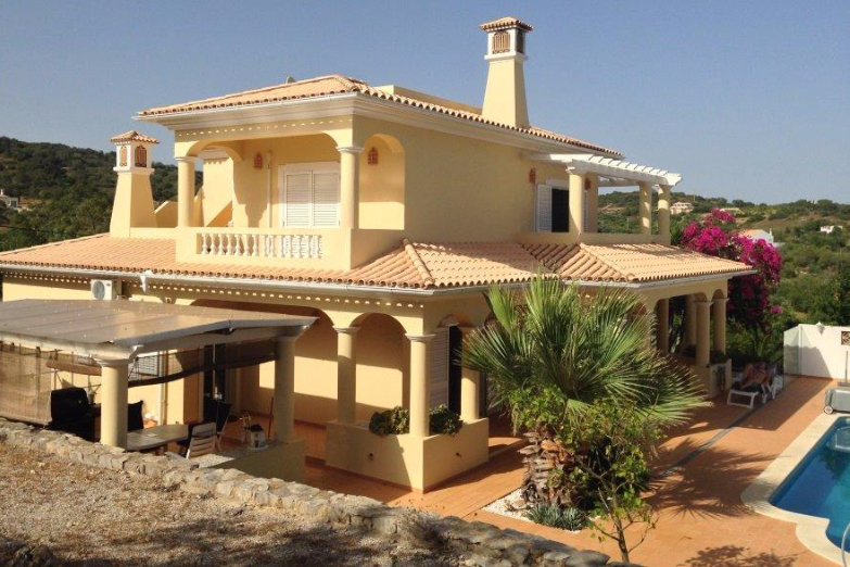 4-bed villa for sale in Loule