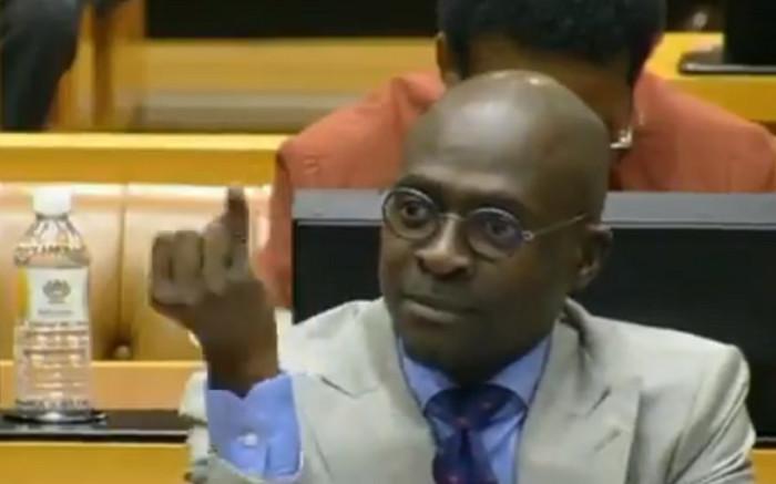 Gigaba showing Finger in Parliament
