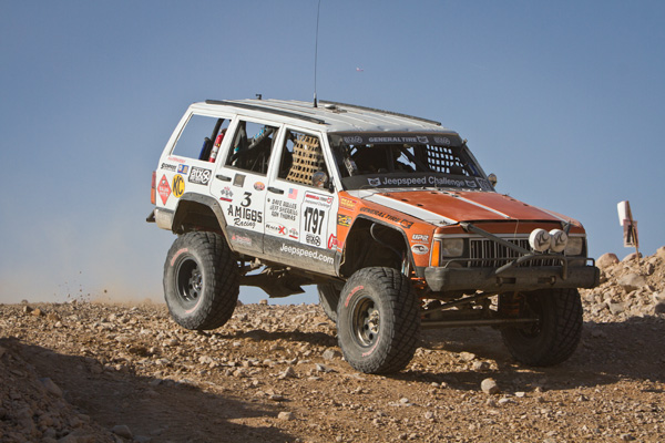 3 Amigos, Jeepspeed, Dave Bolles, Jeff Sherill, Rob Thomas, The Mint 400, Bink Designs