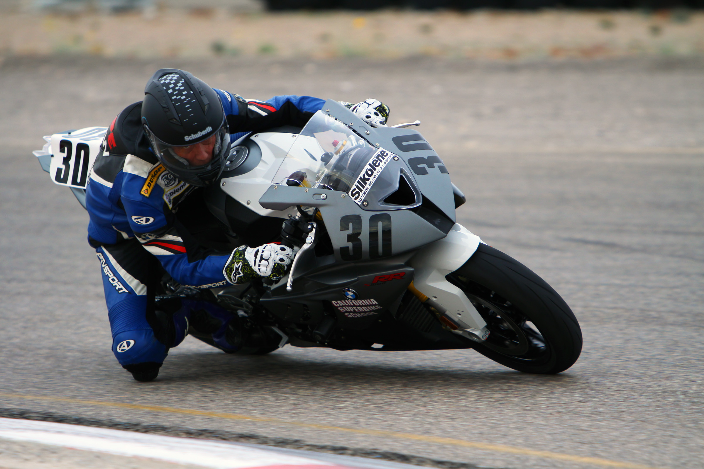 Keith Code dragging a knee in the SR1