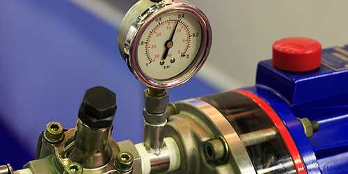 Working with pressure gauge