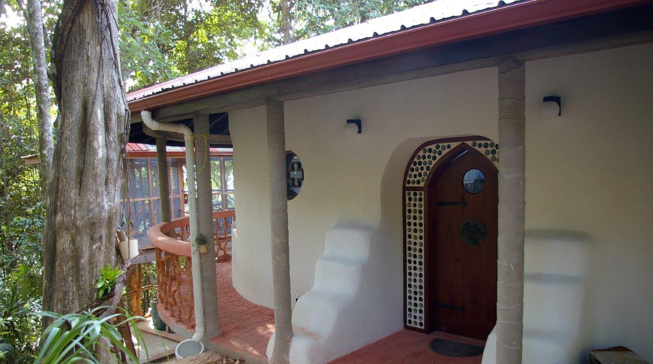 Hobbit Home in Belize