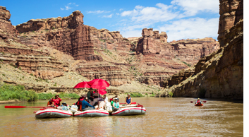 Drifting along the Colorado River in Canyonlands National Park