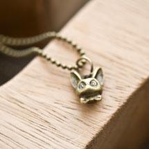 Breloque Tête de chat relief Bronze vieilli