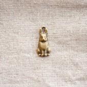 Pendentif lapin relief Bronze vieilli