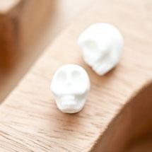 Perle en porcelaine 13x11mm Tête de mort Blanc