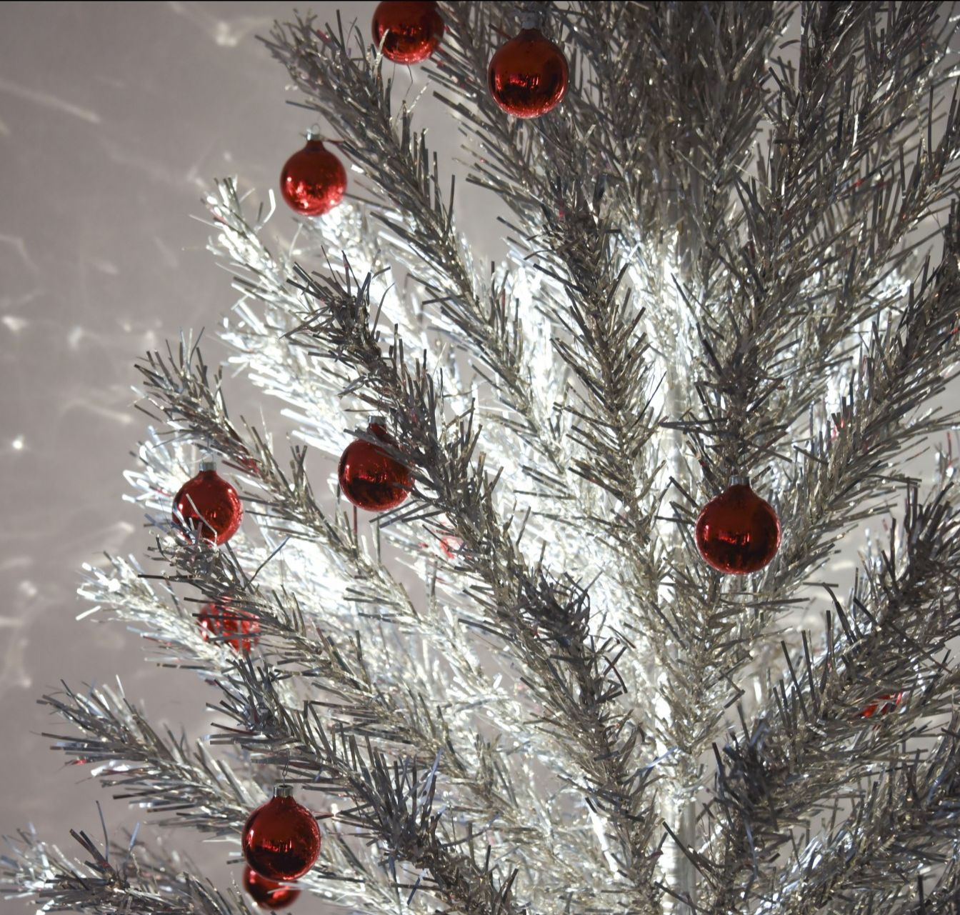 Aluminum Christmas tree c. 1960