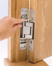 Adjusting the HES3D Concealed hinge
