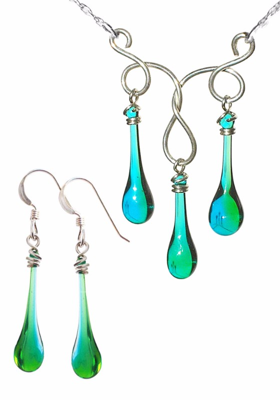Matching earrings and necklace set - Triple the Fun in High Tide