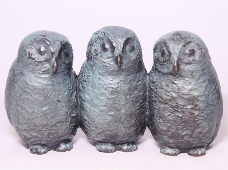uilskuikens - familiebeeld brons