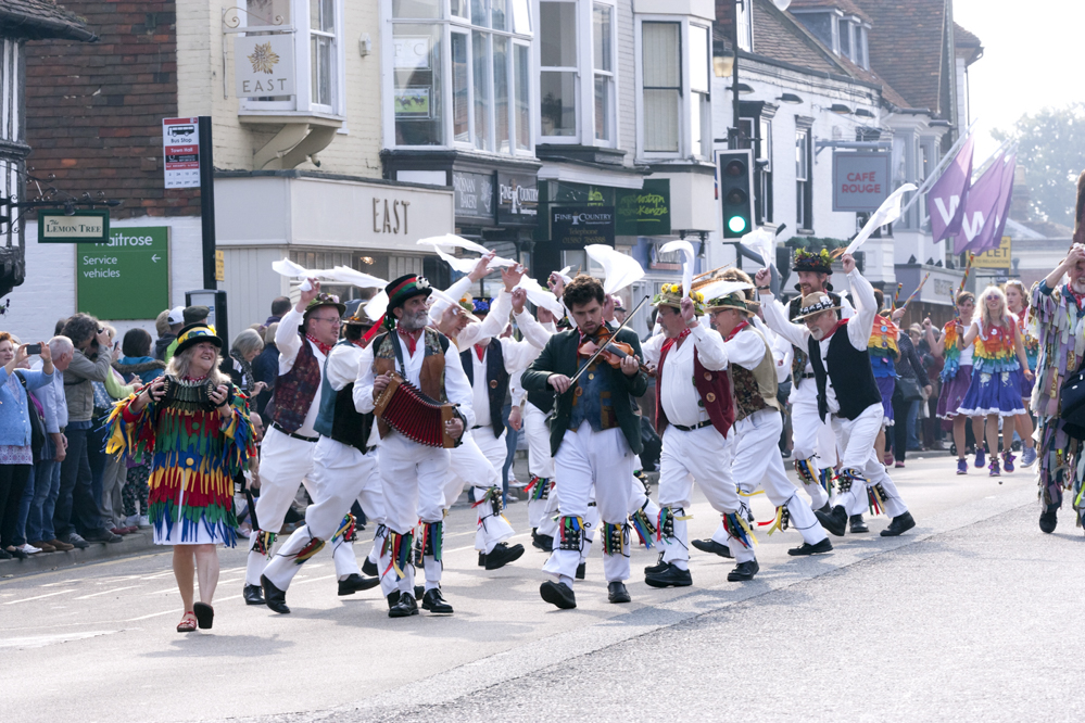 Tenterden Folk Festival procession, photo Lewis Brockway