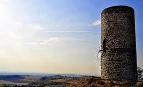 Una imatge idílica del pilar d'Almenara.