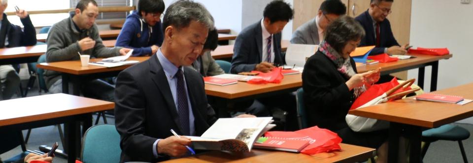Científicos coreanos conocen el trabajo del CMM en minería y supercómputo