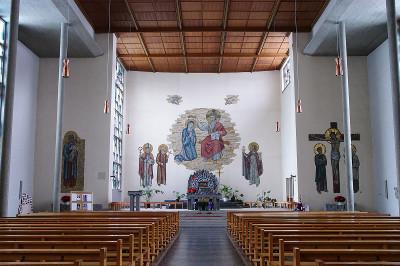 https://de.wikipedia.org/wiki/Datei:St_Barbara_03.jpg