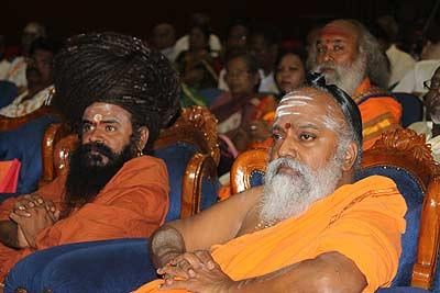 Tambiran Swamigal and Balayogi Swamiji at 1st Muruga Bhakti Conference