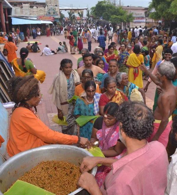 2015 Kanda Sasti Annadanam at Tiruchendur