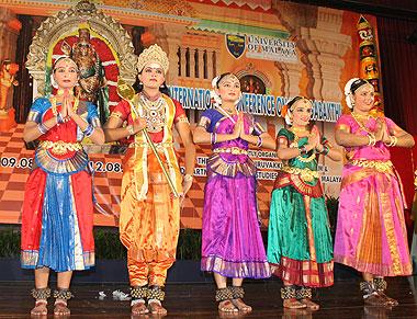 Bharata Natyam at 1st international Muruga Bhakti conference