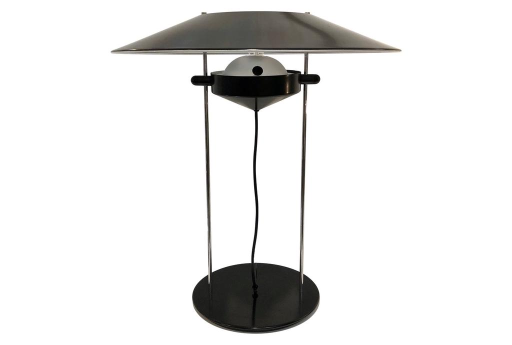 italian-design-adjustable-black-metal-lamp