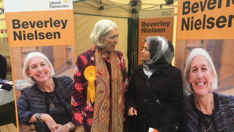 Beverley Nieslen campaigning in 2017