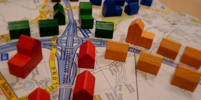 Toy model map of segregated neighborhoods