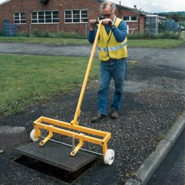 Removing manhole covers safely with minimal effort
