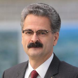 Dr. Lothar Meier, Mitglied der Geschäftsleitung der Infraserv GmbH & Co. Höchst KG und Vorstandsvorsitzender des WVIS