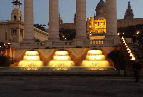 Barcelona- Fonts Montjuic con LED
