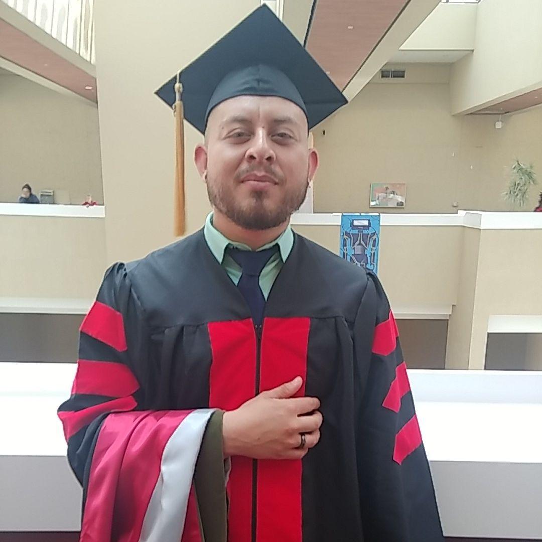 Dr. Daniel Loya
