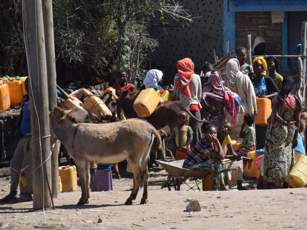 People in Ethiopia are collecting drinking water