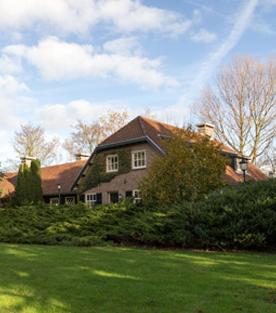Bekijk de villa van Henny Huisman