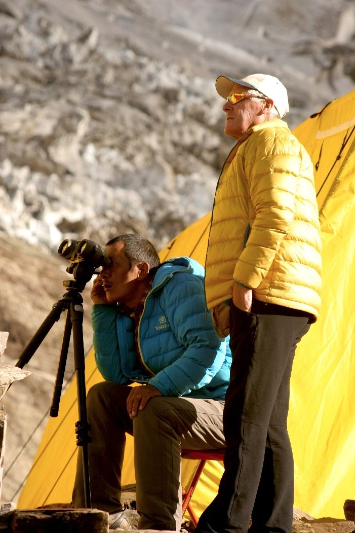 Purba and Russell checking the route on Manaslu