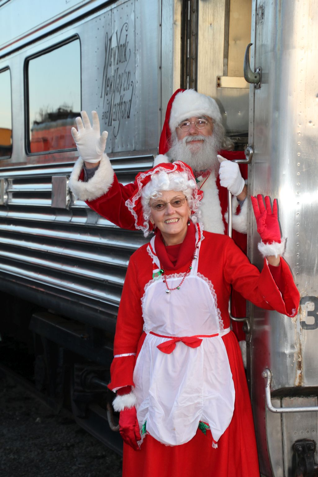 Santa and Mrs. Claus Dec. 3-17 Danbury Railway Museum