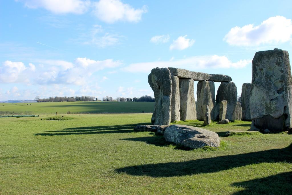 Stonehenge (C) Bonvoyagelauren