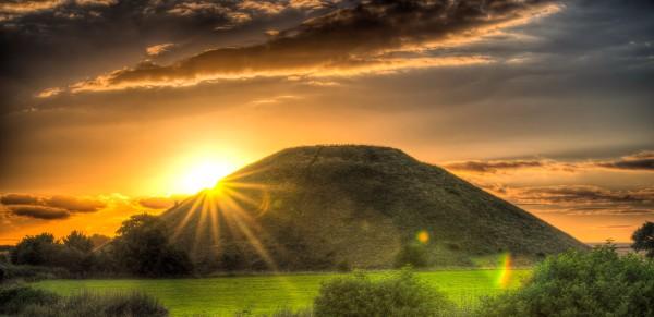 Silbury Hill by Chris Moody